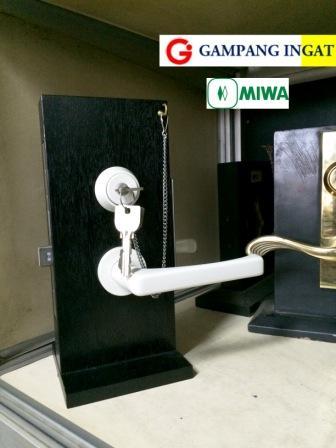 miwa-white